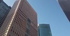 東京都港区汐留の高層ビル群の街並み